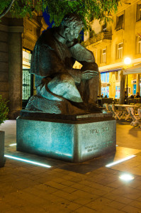 nikola tesla spomenik
